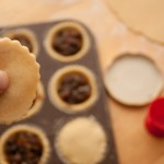 Adding lid to a mince pie